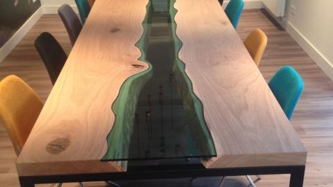 Eikenhouten tafel met glas